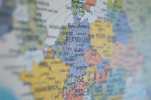 Evolución de la deuda pública en los países de la Zona Euro. Determinantes y sostenibilidad de la misma
